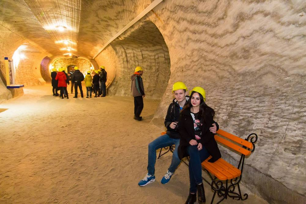Пустыня, замок и соляные шахты: что посмотреть в областях, граничащими с Днепропетровской