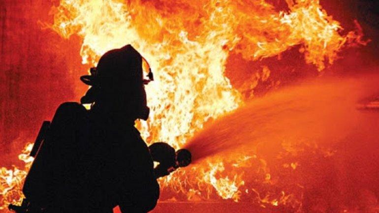 Во время пожара в Кривом Роге пострадала женщина