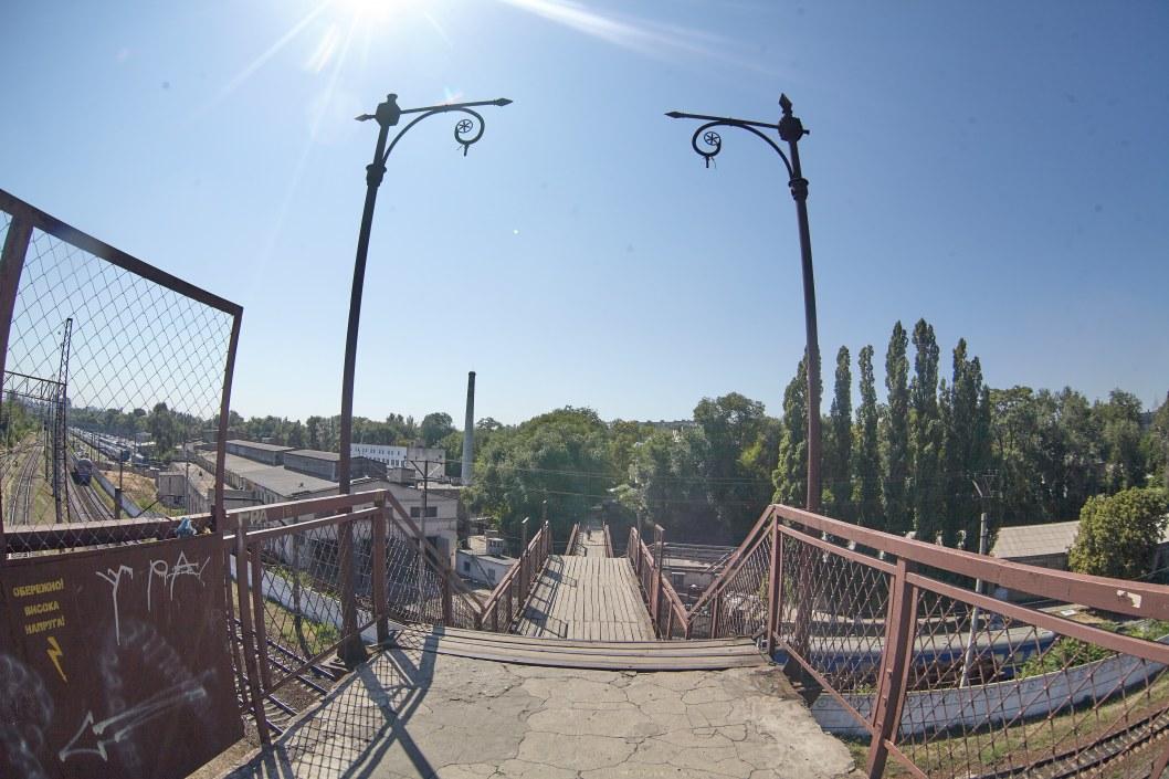 В Днепре разрушается старинный Морозовский деревянный мост (ФОТО)