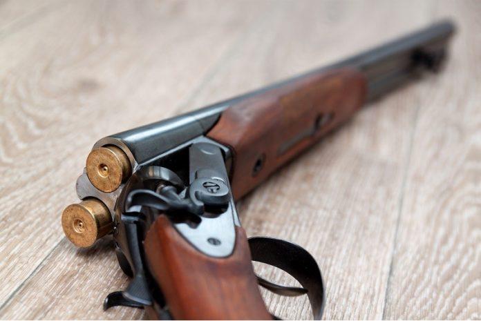 В Каменском подросток случайно выстрелил из ружья в товарища: парень погиб