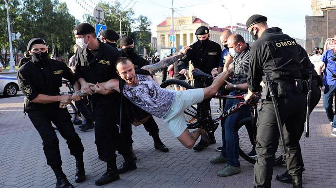Утро после выборов: что произошло в Беларуси минувшей ночью (ФОТО, ВИДЕО)
