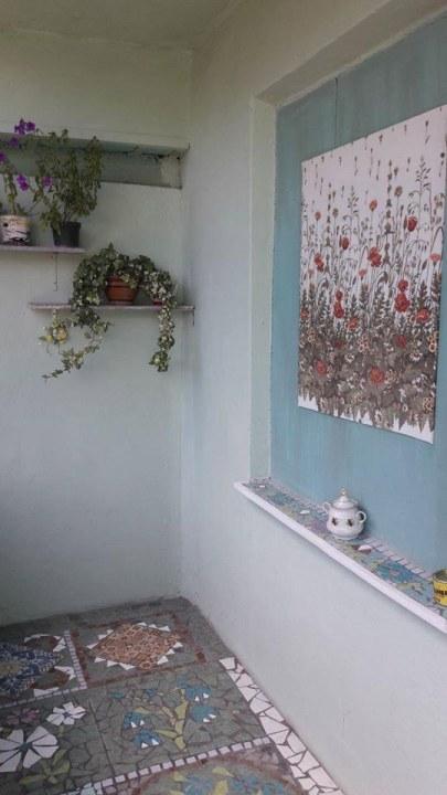 В Днепре выложили балкон из мозаики