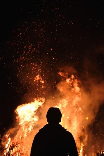В Днепре горел дом: погиб 48-летний мужчина