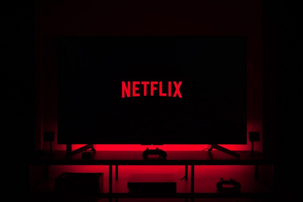 Просмотр без подписки: Netflix открыл бесплатный доступ к восьми фильмам и сериалам