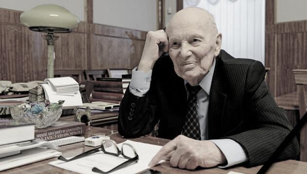 В Украине инициировали создание Золотой медали имени академика Патона