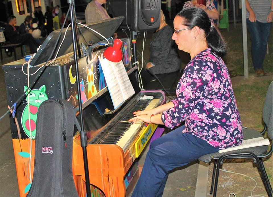 В Днепре установили «арт-пианино под открытым небом»