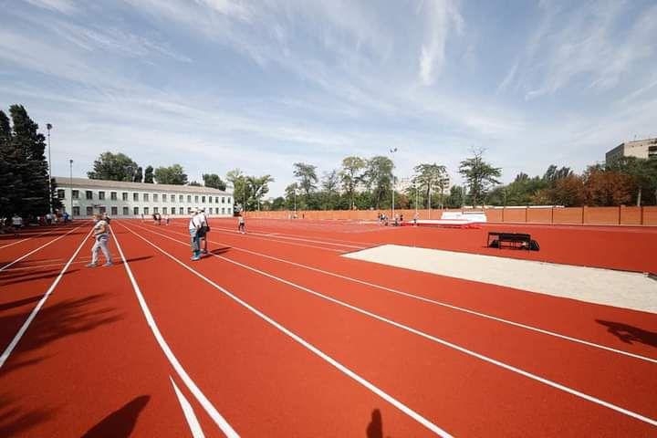 Обновили впервые за 30 лет: в Днепре открыли специализированную детско-юношескую спортивную школу