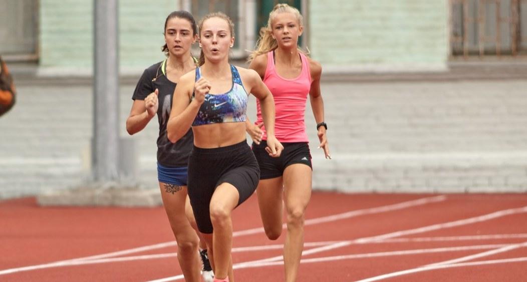 На новом стадионе: в Днепре стартовали областные соревнования юных легкоатлетов