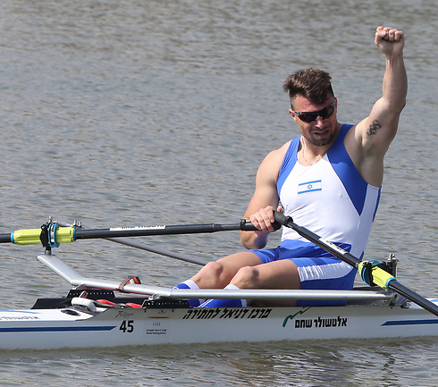 Полиция Днепра вернула израильскому спортсмену лодку за 15 тысяч евро