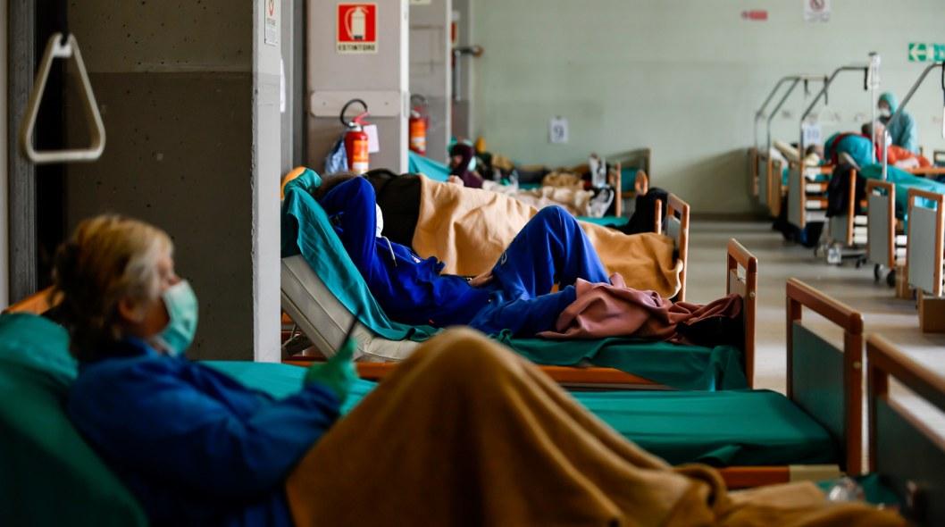«Врачи уставшие, работают в бешеном темпе», — глава департамента здравоохранения Днепропетровской области