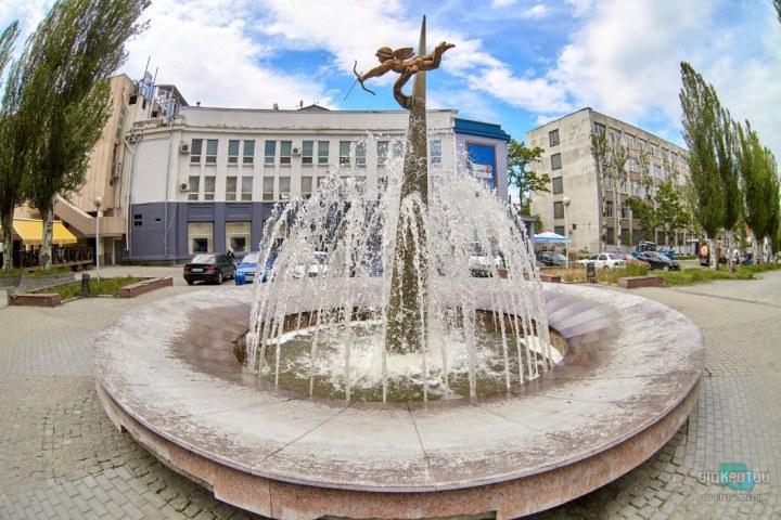 Сделай селфи: ТОП-7 самых красивых фонтанов Днепра