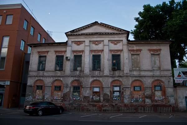В Днепре частная компания пыталась лишить историческое здание статуса архитектурной памятки