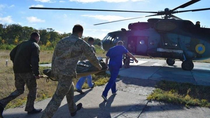 В Днепр оперативно доставили двух раненых бойцов ООС