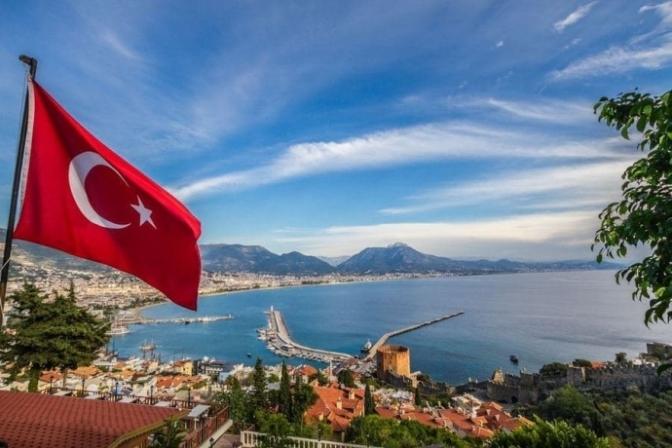 В Турции туристов обяжут носить маски даже на пляже