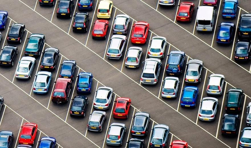 В Днепре депутаты установили единый тариф на парковки
