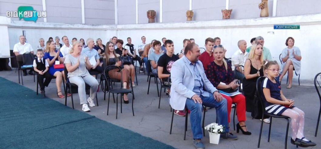 В Каменском наградили 50 спортсменов в честь Дня физкультуры
