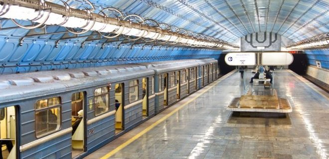 В днепровском метро блогеры снимают клип (ВИДЕО)