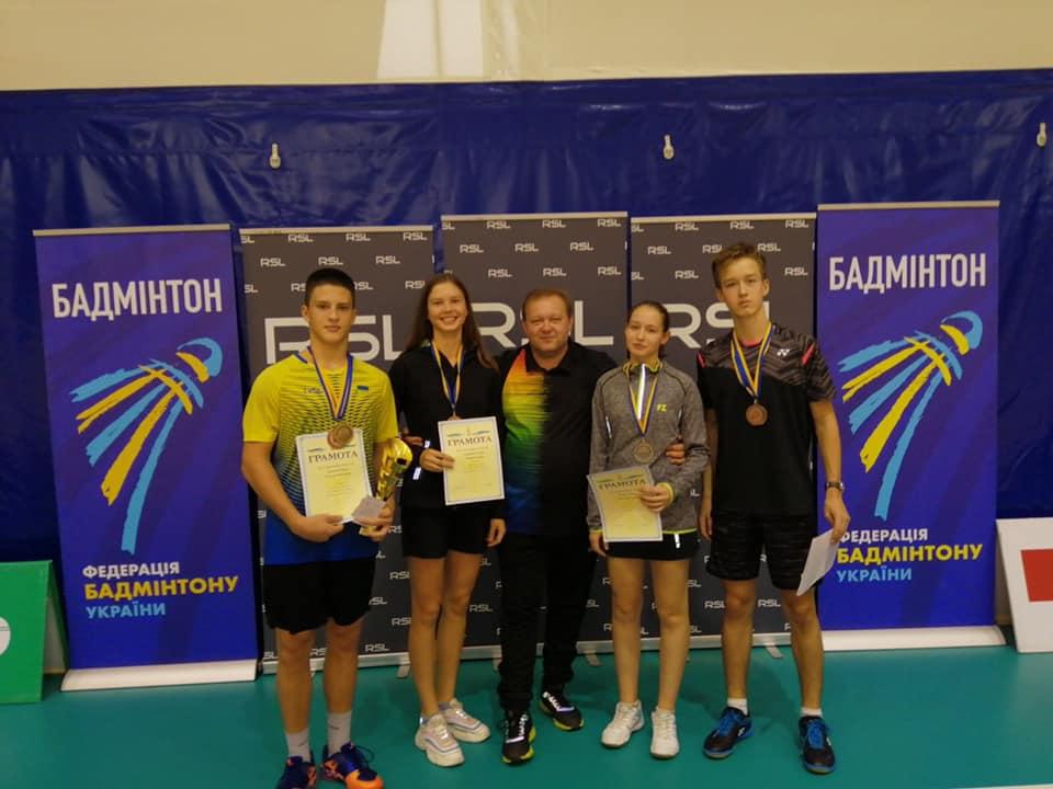 Спортсмены Днепропетровщины завоевали 6 медалей на чемпионате Украины по бадминтону