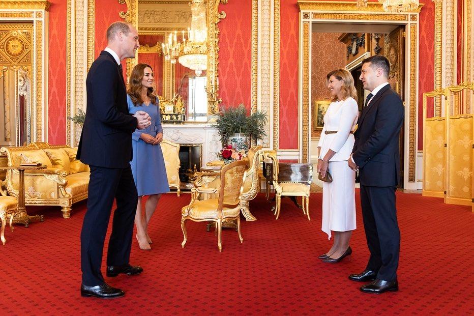 Жена Зеленского показала фото с принцем Чарльзом и Кейт Мидлтон