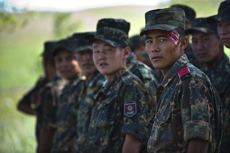 Протесты в Киргизии: в Бишкеке вводят чрезвычайное положение