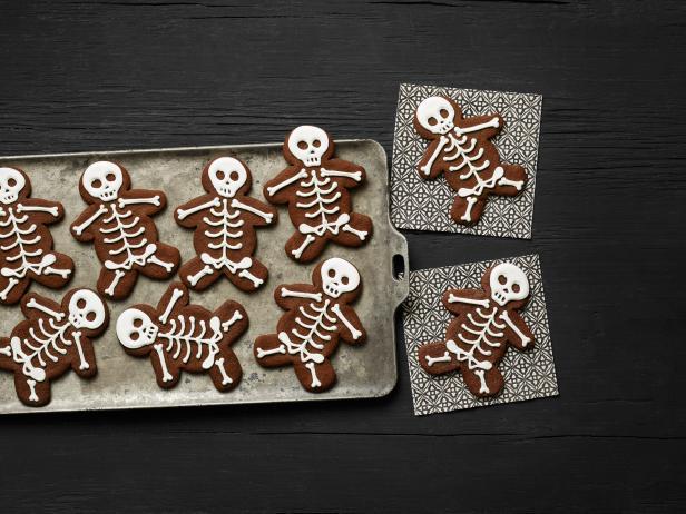 1508664664 shokoladnoe pechene s koricej skelety