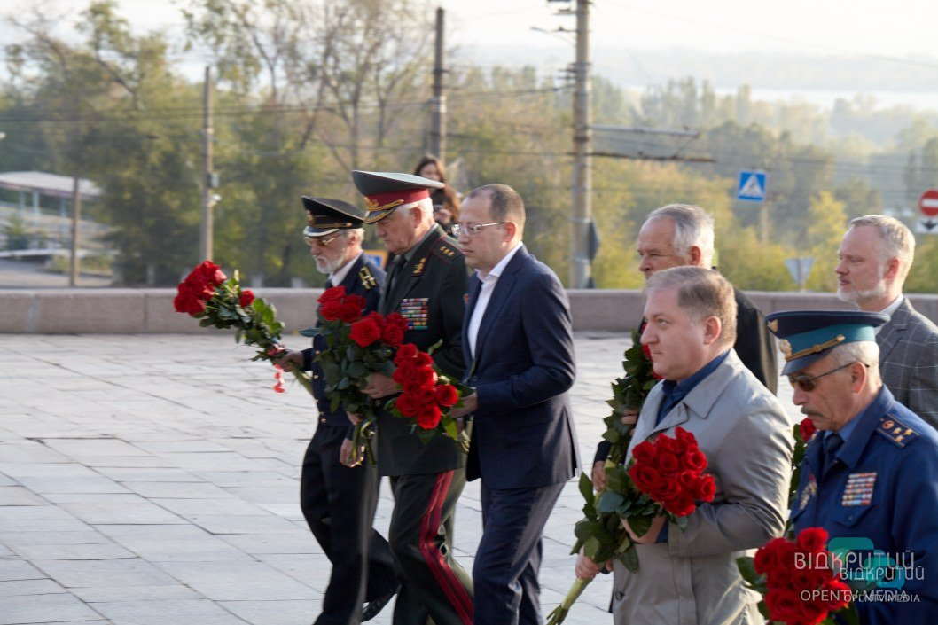Геннадий Гуфман вместе с ветеранами и депутатом европарламента почтили память погибших воинов