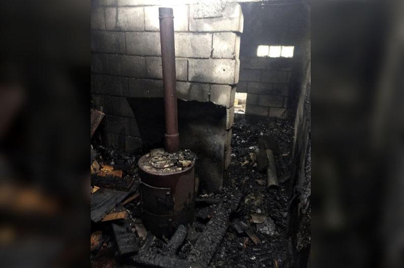 Под Днепром пенсионер пытался спасти дрова и получил ожоги