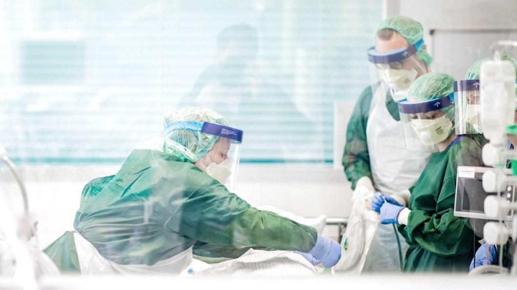 В Днепре презентовали фильм о борьбе местных врачей с коронавирусом (ВИДЕО)