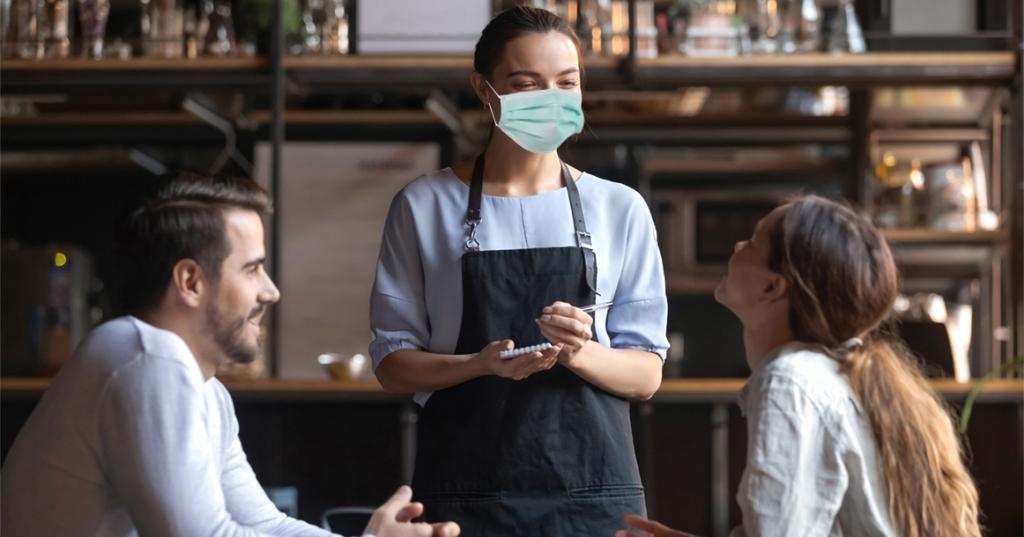 С антисептиками и масками: как в Днепре будут работать рестораны и кафе после закрытия летних террас