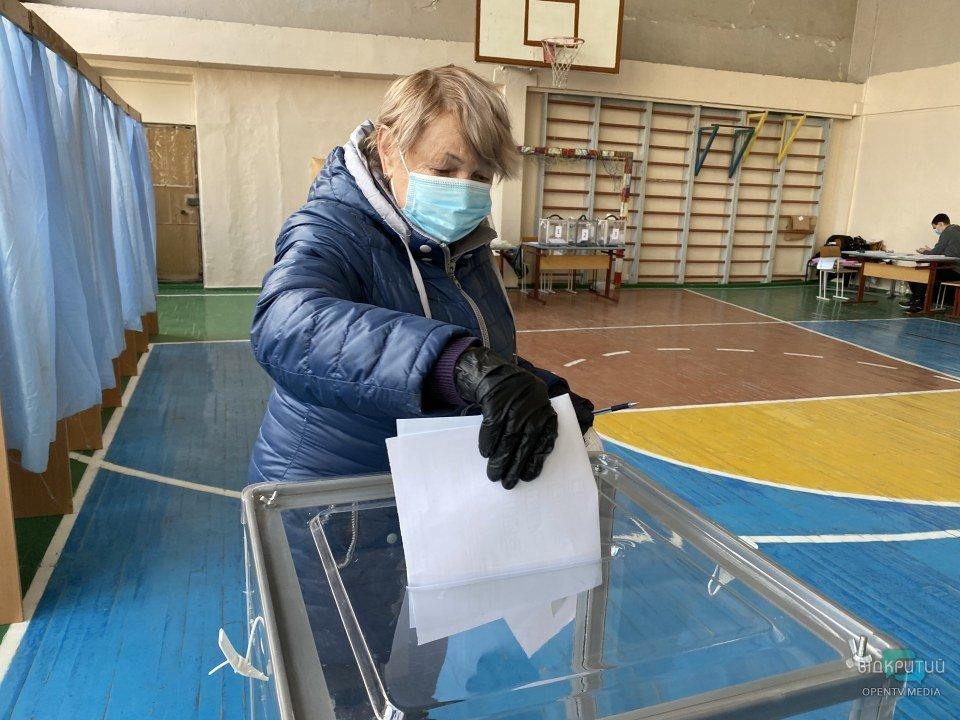 «Нас плохо подготовили к выборам»: как проходит избирательный процесс на жилых массивах Тополя