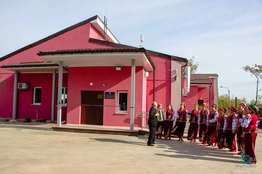 После реконструкции в Днепре открыли культурно-молодежный центр