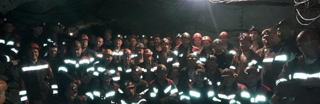 Месяц забастовки: в Кривом Роге под землей остаются 22 горняка