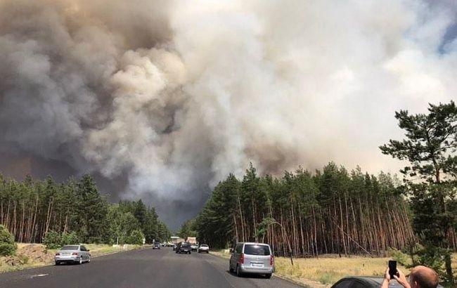 Пожары на Луганщине: взрываются боеприпасы, огонь возле электростанции