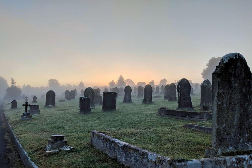 В Днепропетровской области надругались над могилами