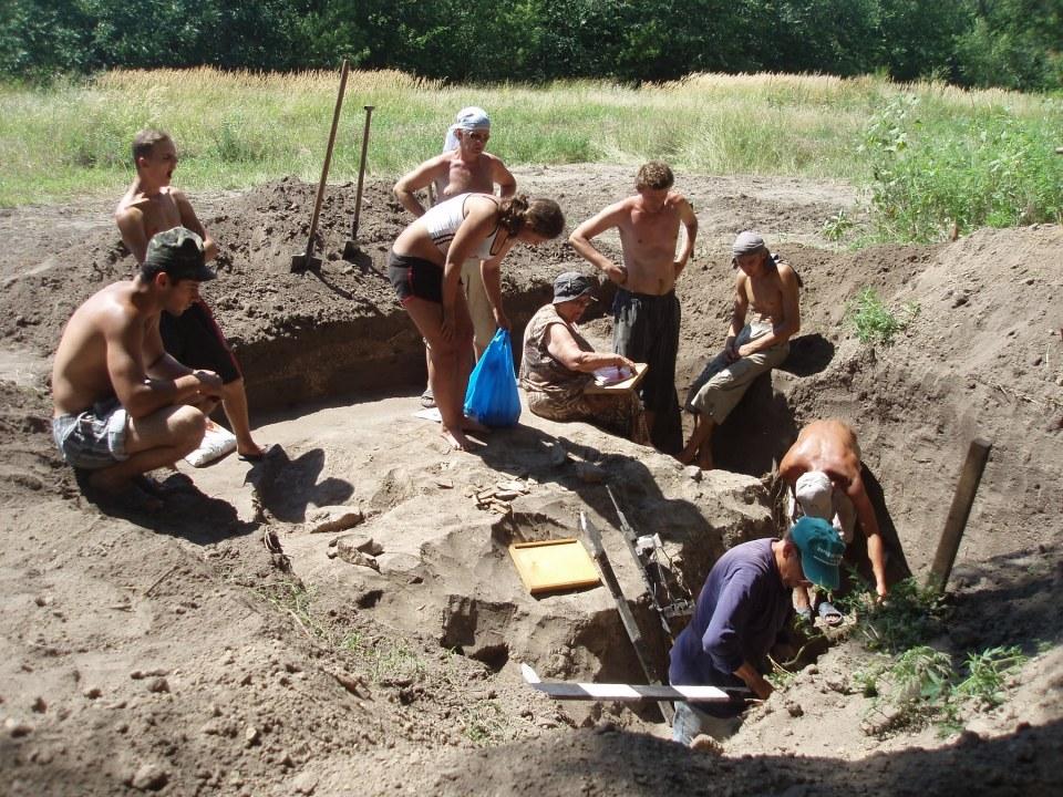 """Дочь дворянина и автор """"Жизни, проведенной в могиле"""": выдающемуся днепровскому археологу 90 лет"""