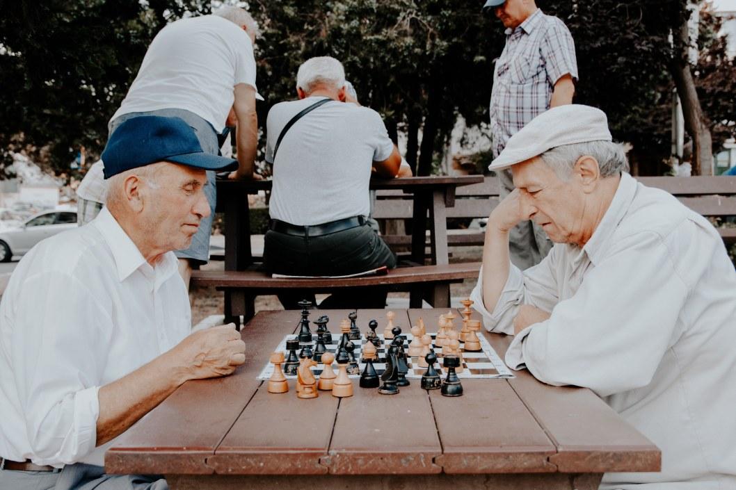 На пенсии жизнь не заканчивается: как живут подопечные Каменского терцентра Днепровского района
