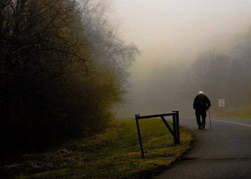Страдает потерей памяти: в Днепре неделю ищут пожилого мужчину
