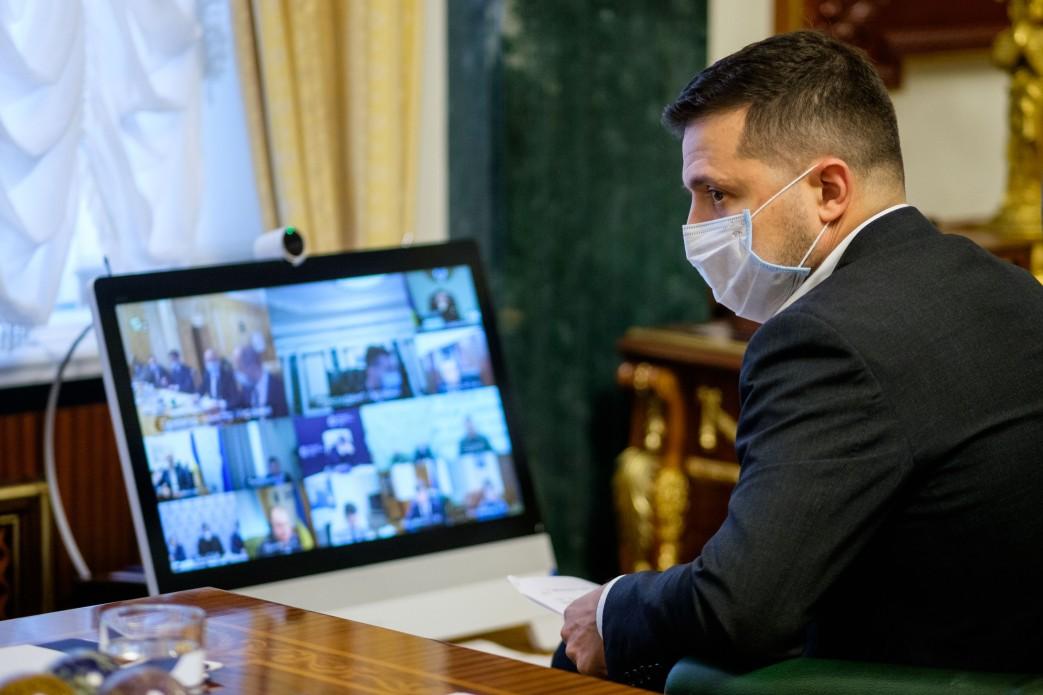 """Президент Украины поддержал введение """"карантина выходного дня"""""""