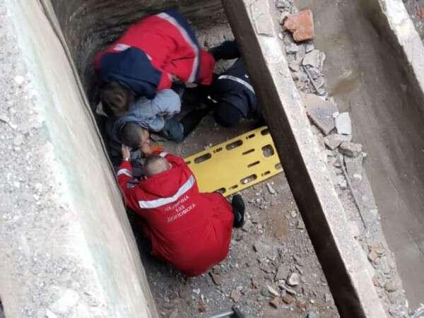 В Днепре на Набережной Заводской мужчина упал в резервуар