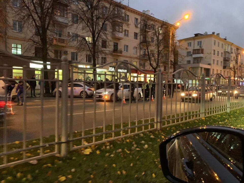 ДТП в Харькове: на островке безопасности сбили четверых человек