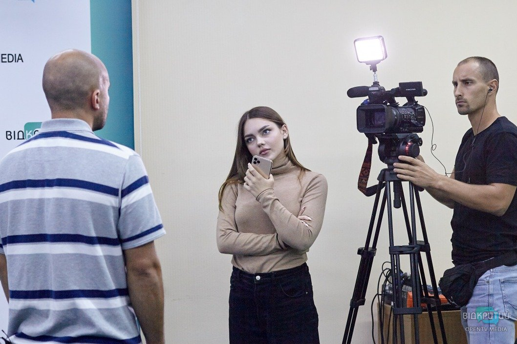 День телевизионщика: что происходит по ту сторону камеры