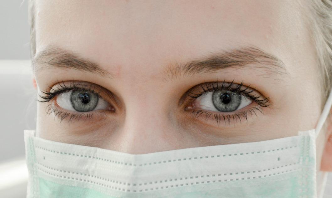 В Украине все чаще молодые люди без серьезных патологий стали тяжело переносить COVID-19, — эксперт МОЗ