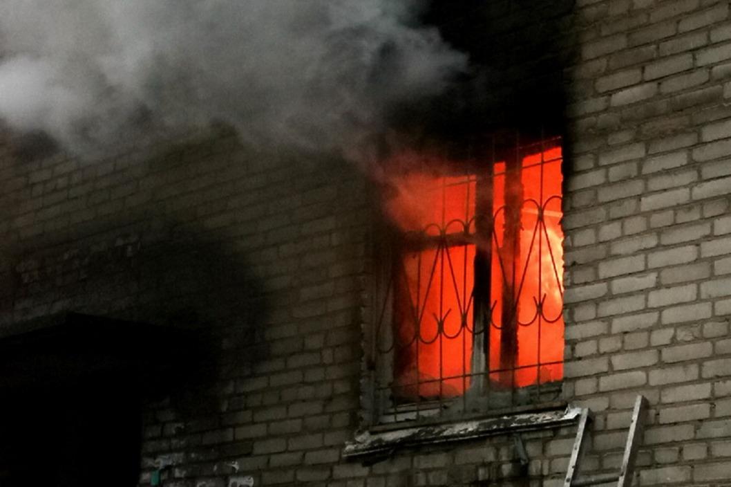 В Кривом Роге горела квартира в многоэтажке: погибла женщина