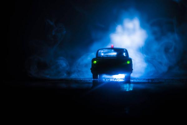 В Днепре внедорожник устроил гонки с полицией и ДТП