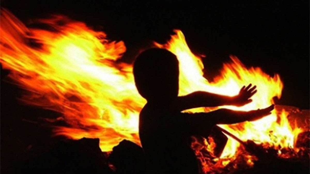 Полиция расследует гибель трех детей во время пожара