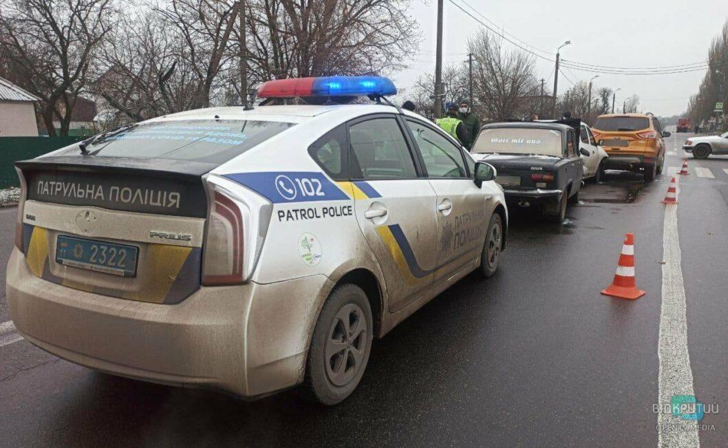 На выезде из Днепра произошло тройное ДТП на зебре (ФОТО)