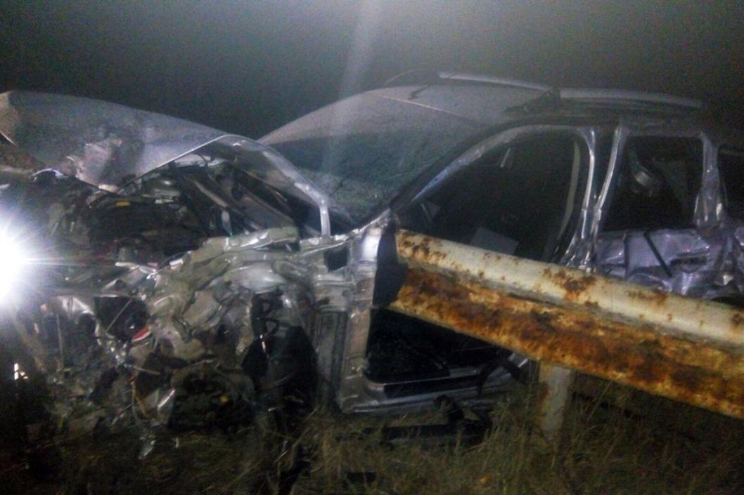 Жуткая авария под Днепром: внедорожник врезался в ограждение