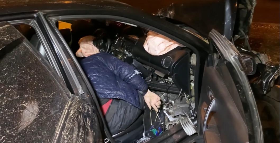 В Кривом Роге водитель намеренно попал в ДТП после ссоры с женой