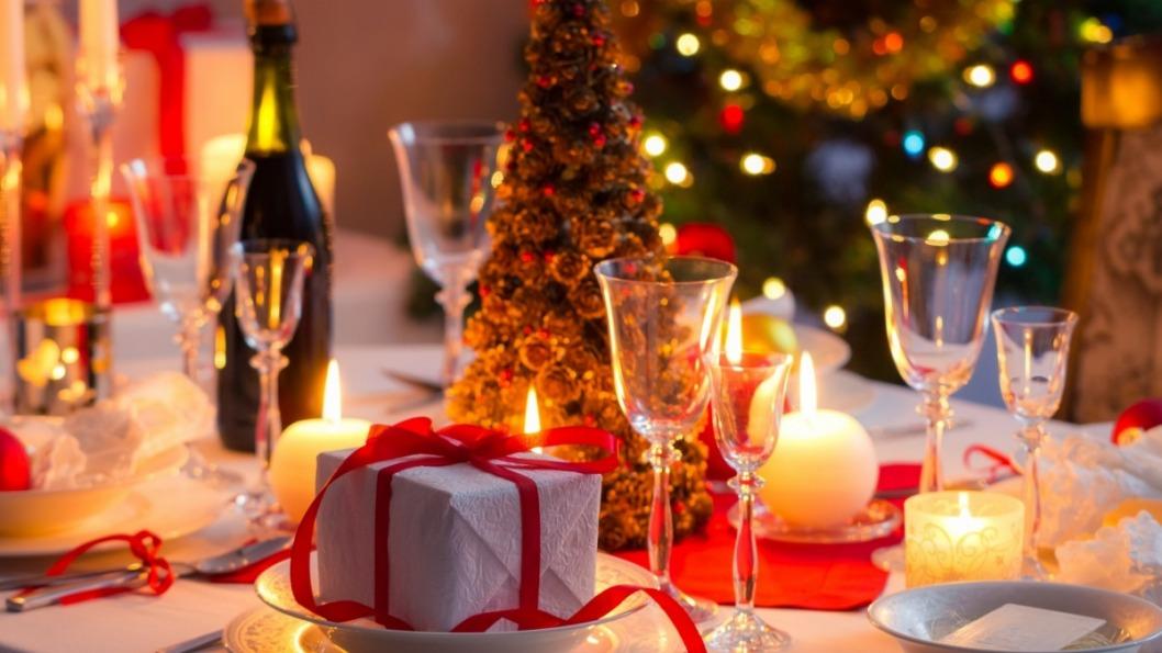 583fe2af8112f novogodnij stol dekor 1200