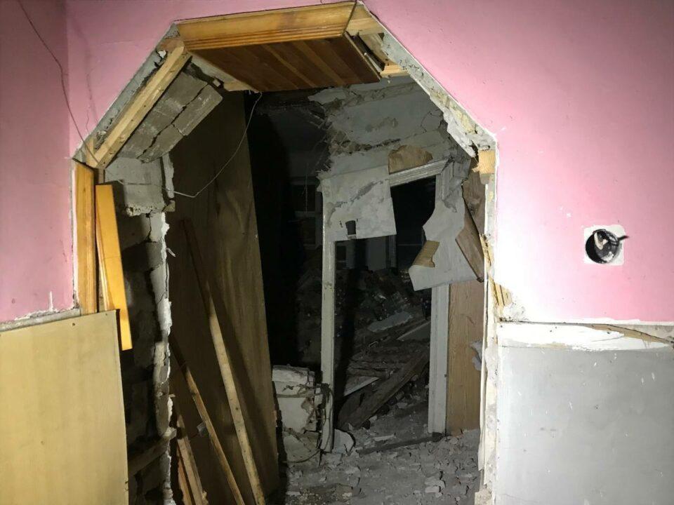 В Кривом Роге бездомный скончался под обломками старого дома